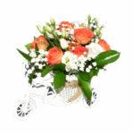 tricicleta vesela cu flori