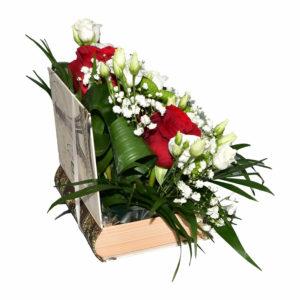Cartea plina cu flori