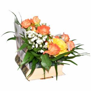 Arajament florat in suport in forma de carte