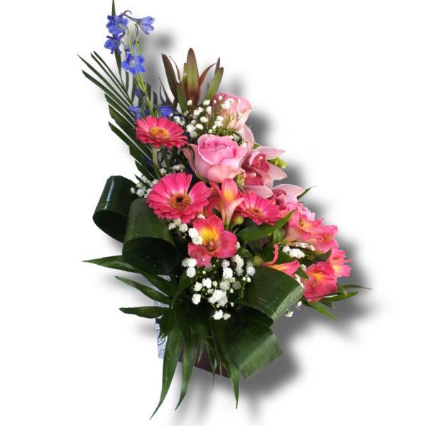 Aranjament floral in cutie de cadou din Trandafir, Orhidee, Gerbera, Delfin, Astromelia, Leucadendron, Santini