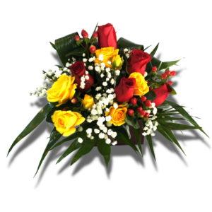 Aranjament floral cutie cadou care contine Trandafir, Miniroza, Hipericum
