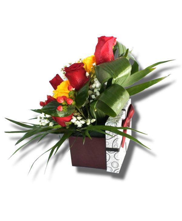 Aranjament floral ocazii special din Trandafir, Miniroza, Hipericum