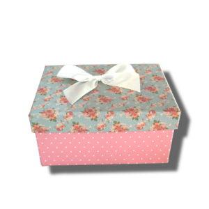 cutie-roz cu funda alba pentru aranjamente florale sau cadouri