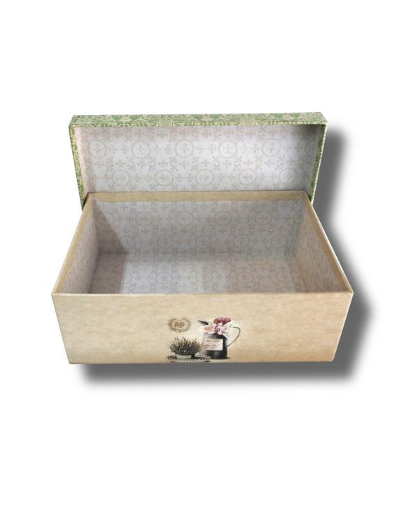 interior cutie-vintage cu model pe margine pentru aranjamente florale